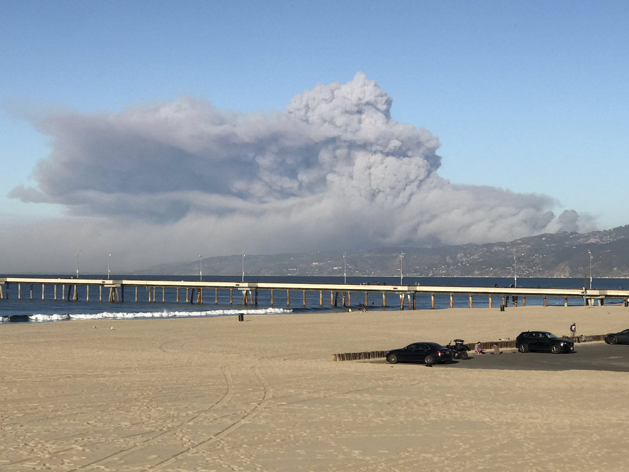 <div class='meta'><div class='origin-logo' data-origin='none'></div><span class='caption-text' data-credit='ZimVC/Twitter'>Michael Zimmerman shared this photo on Twitter on Friday of the Woolsey Fire near Malibu.</span></div>