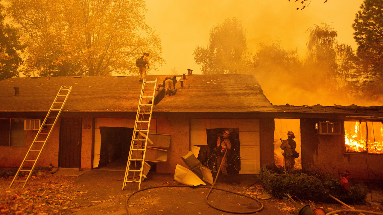 <div class='meta'><div class='origin-logo' data-origin='Creative Content'></div><span class='caption-text' data-credit='Josh Edelson/AFP/Getty Images'>Firefighters battle flames at the Shadowbrook apartment complex in Paradise, north of Sacramento, California on November 09, 2018.</span></div>