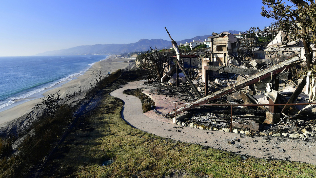 <div class='meta'><div class='origin-logo' data-origin='Creative Content'></div><span class='caption-text' data-credit='Frederic J. Brown/AFP/Getty Images'>This photo shows the remains of a beachside luxury home along the Pacific Coast Highway community of Point Dume in Malibu, California, on November 11, 2018.</span></div>