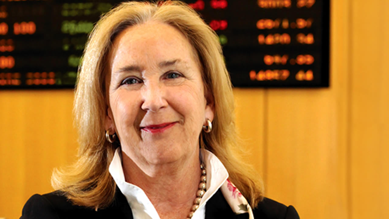 The University of San Francisco has named Dr. Elizabeth Davis as the first woman to leads its School of Management.
