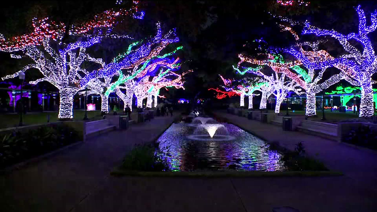 Zoo Lights at Houston Zoo are up and shining   abc13.com