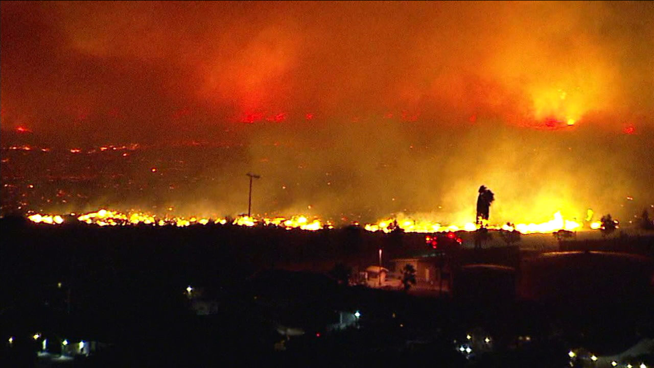 Sierra Fire Rialto Blaze Jumps To More Than 140 Acres Abc7news Com