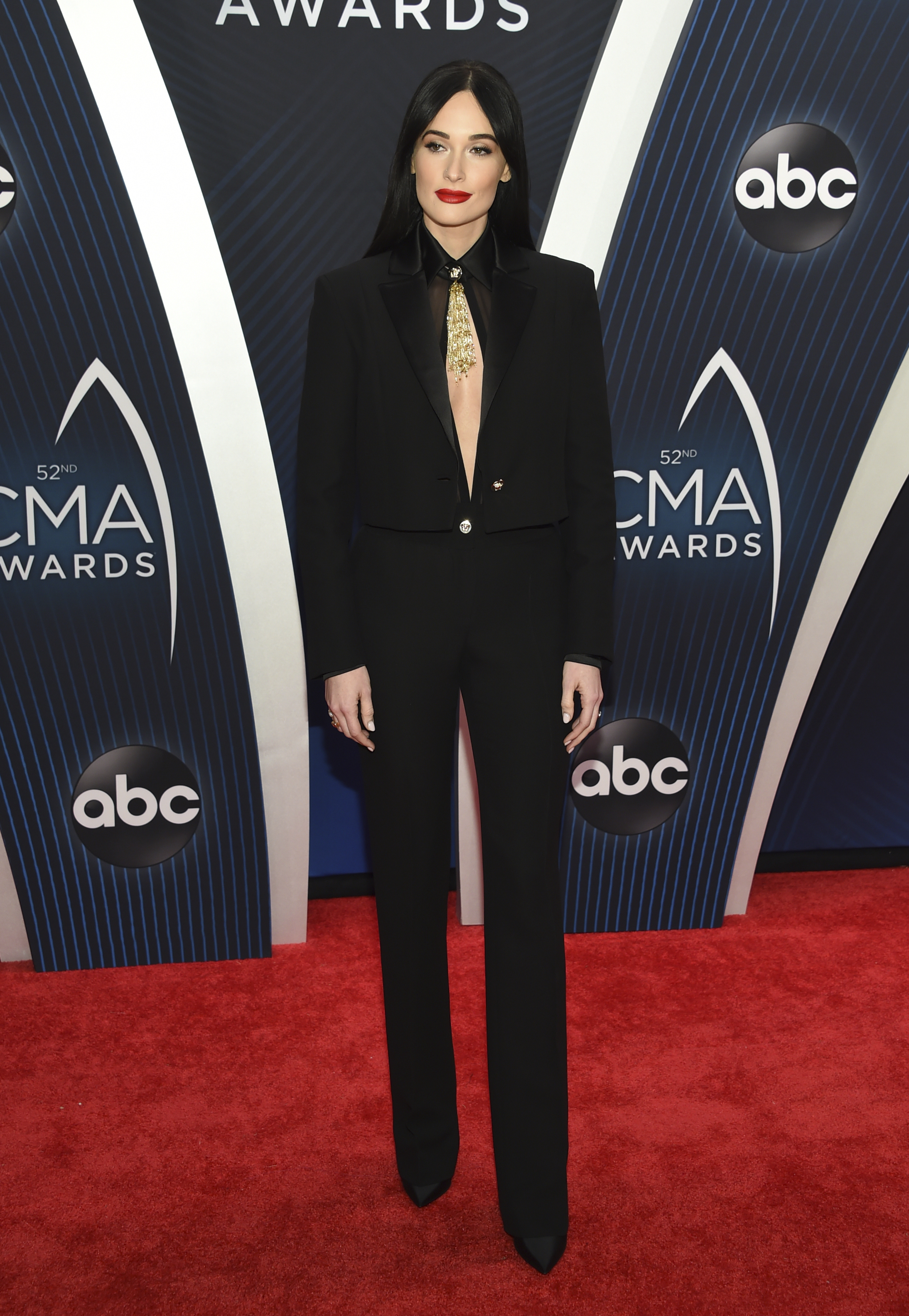 "<div class=""meta image-caption""><div class=""origin-logo origin-image ap""><span>AP</span></div><span class=""caption-text"">Kacey Musgraves arrives at the 52nd annual CMA Awards at Bridgestone Arena on Wednesday, Nov. 14, 2018, in Nashville, Tenn. (Photo by Evan Agostini/Invision/AP) (Evan Agostini/Invision/AP)</span></div>"