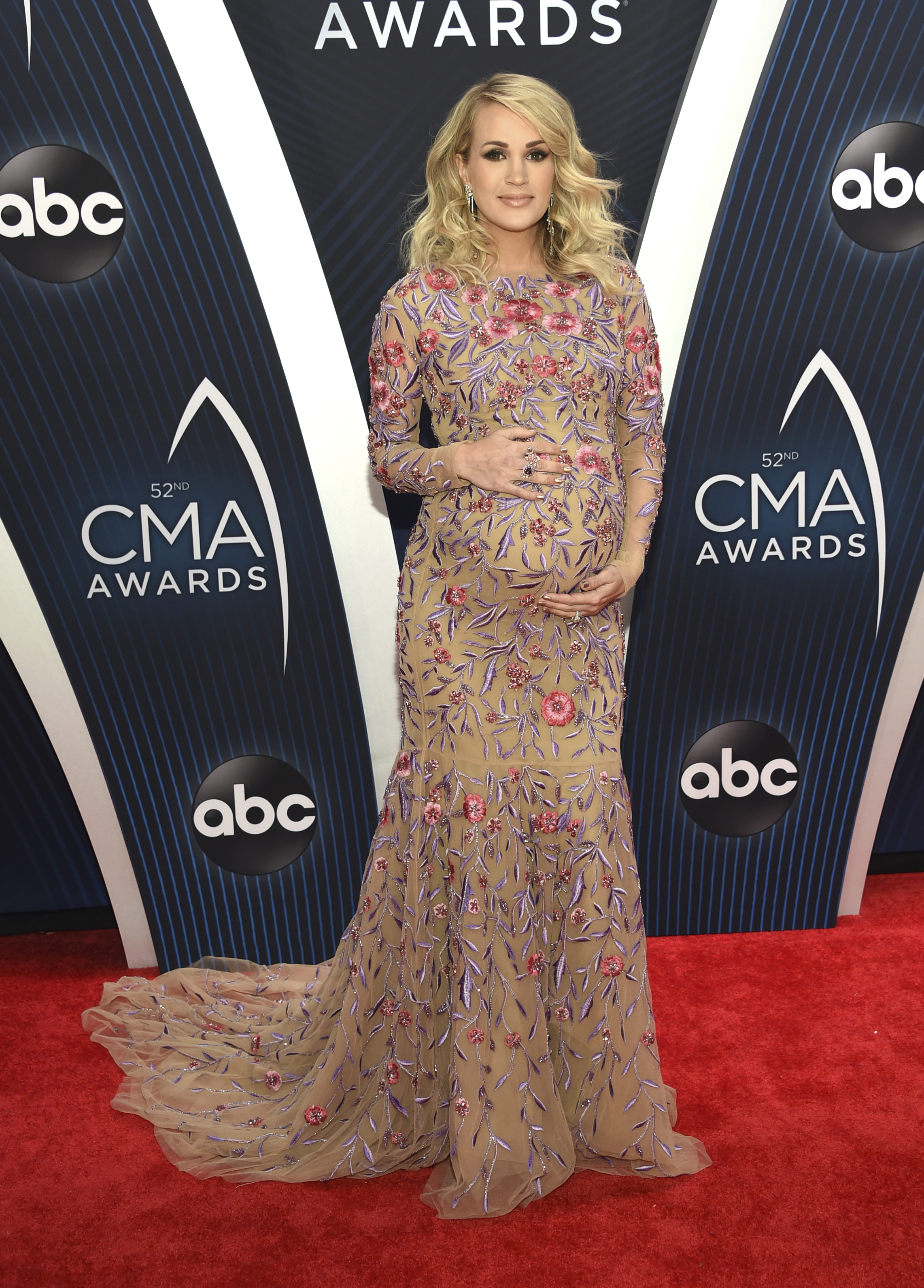 "<div class=""meta image-caption""><div class=""origin-logo origin-image ap""><span>AP</span></div><span class=""caption-text"">Carrie Underwood arrives at the 52nd annual CMA Awards at Bridgestone Arena on Wednesday, Nov. 14, 2018, in Nashville, Tenn. (Photo by Evan Agostini/Invision/AP) (Evan Agostini/Invision/AP)</span></div>"