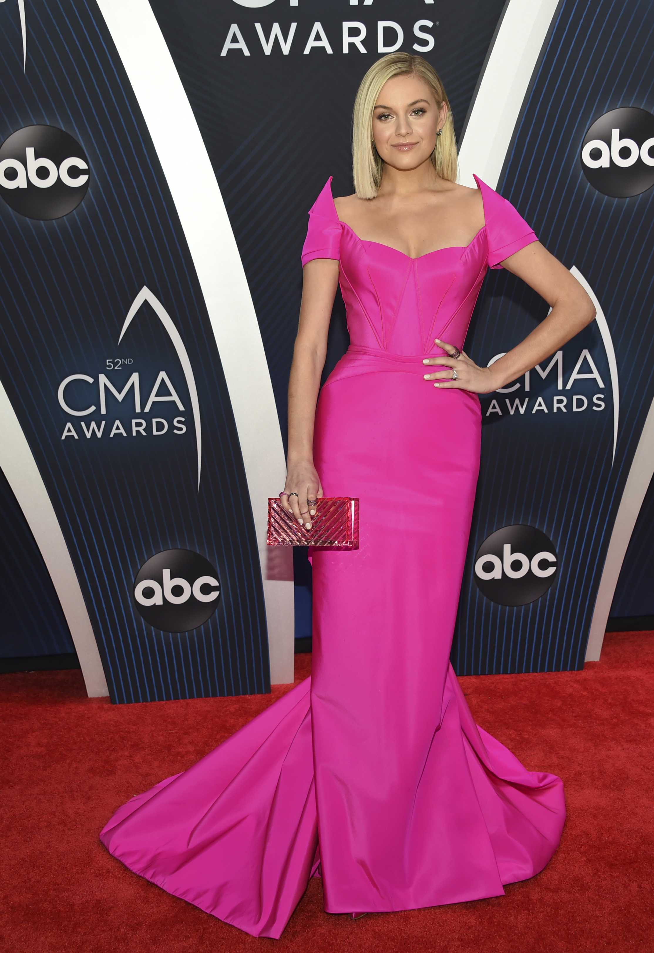 "<div class=""meta image-caption""><div class=""origin-logo origin-image ap""><span>AP</span></div><span class=""caption-text"">Kelsea Ballerini arrives at the 52nd annual CMA Awards at Bridgestone Arena on Wednesday, Nov. 14, 2018, in Nashville, Tenn. (Photo by Evan Agostini/Invision/AP) (Evan Agostini/Invision/AP)</span></div>"