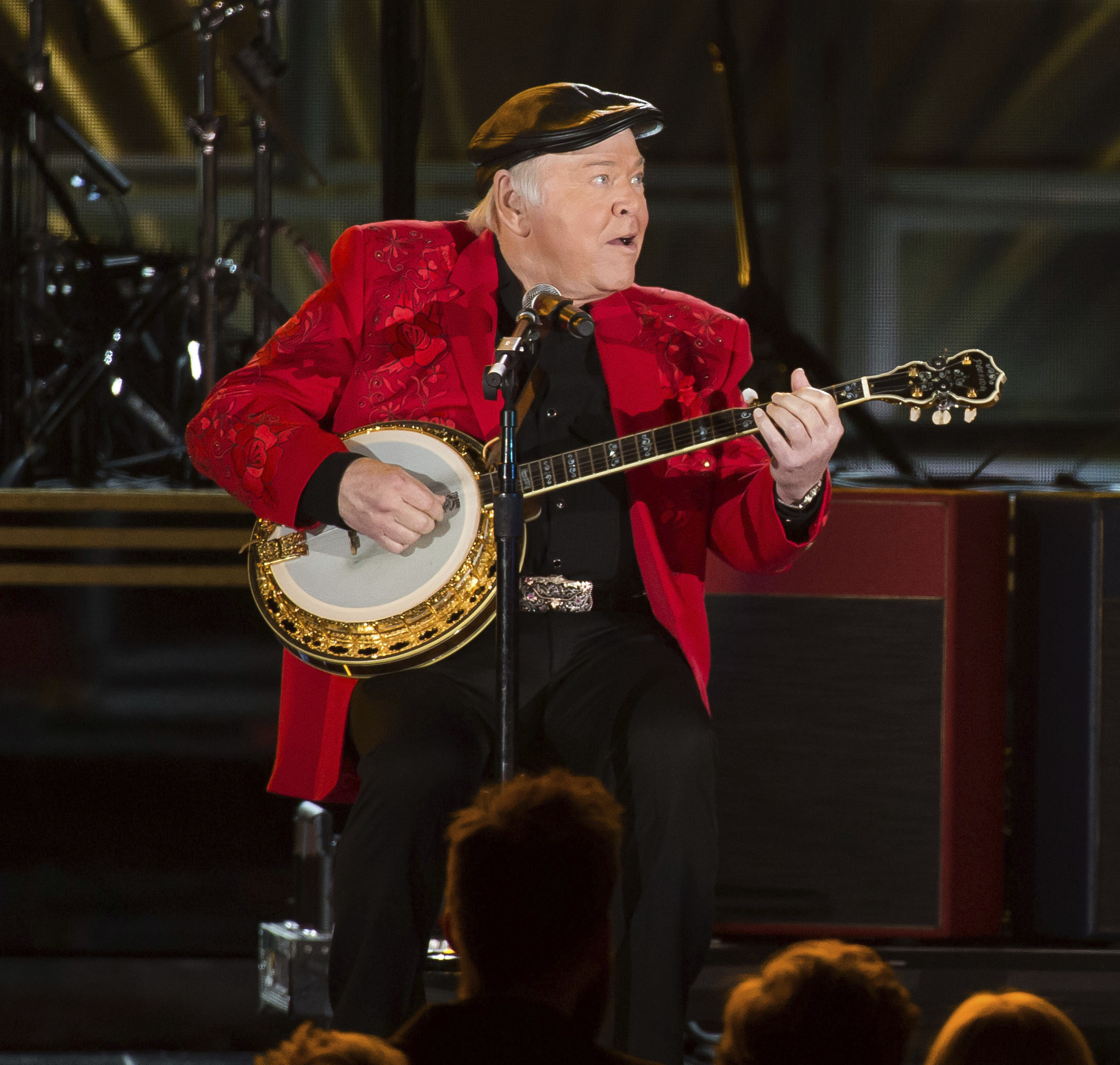 "<div class=""meta image-caption""><div class=""origin-logo origin-image none""><span>none</span></div><span class=""caption-text"">Roy Clark, a country star known for headlining the TV show ''Hee Haw,'' died on Nov. 15 at age 85. (Charles Sykes/Invision/AP)</span></div>"