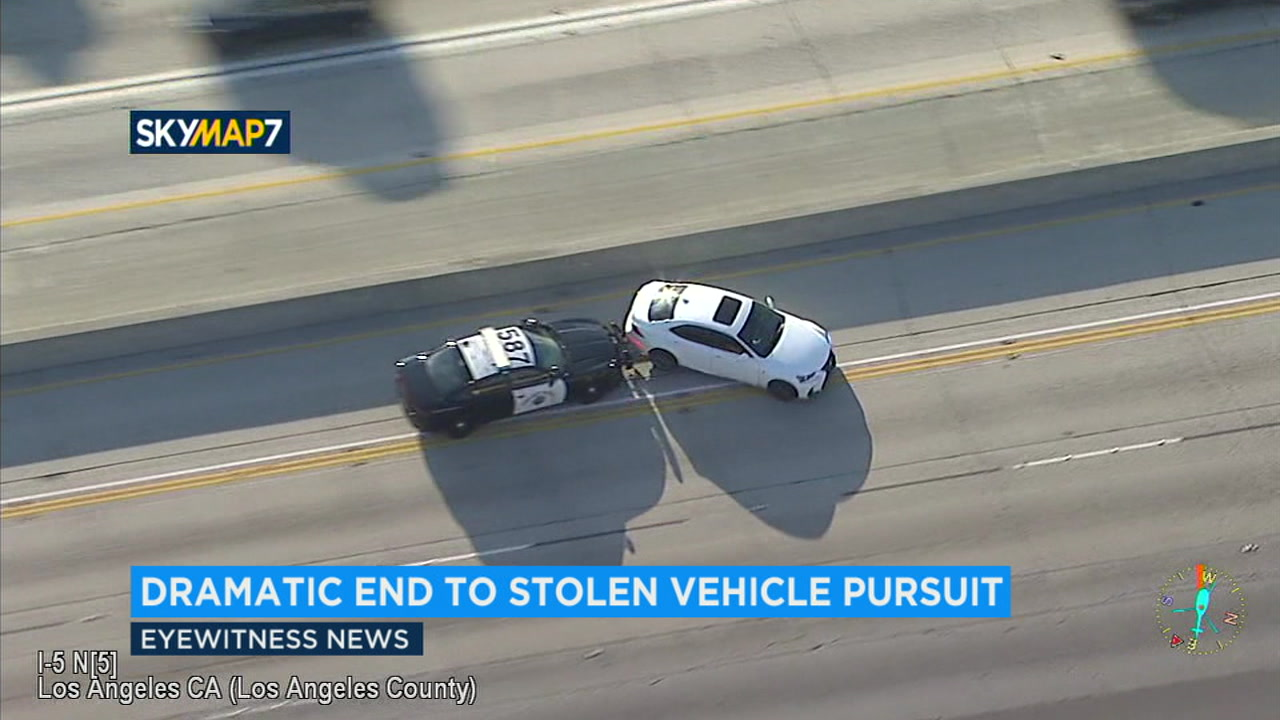 suspect in officer's stolen car flees police at high speeds on la