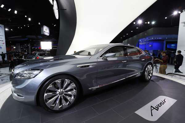 """<div class=""""meta image-caption""""><div class=""""origin-logo origin-image """"><span></span></div><span class=""""caption-text"""">The Buick Avenir concept is on display during media previews for the North American International Auto Show in Detroit Monday, Jan. 12, 2015. (AP Photo/Paul Sancya) (Photo/Paul Sancya)</span></div>"""
