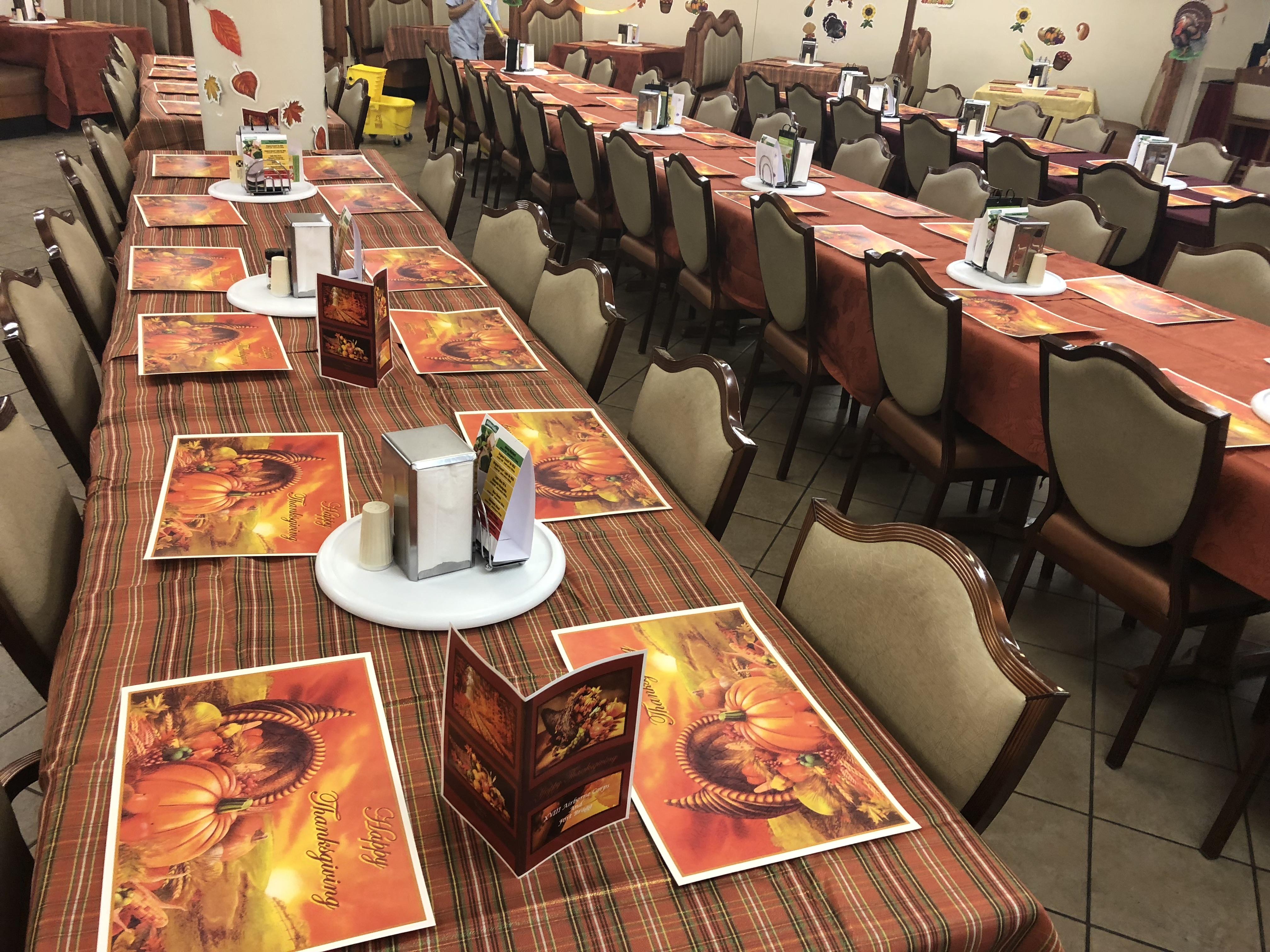 "<div class=""meta image-caption""><div class=""origin-logo origin-image wtvd""><span>WTVD</span></div><span class=""caption-text"">Fort Bragg soldiers prepare for a Thanksgiving feast. (Akilah Davis)</span></div>"