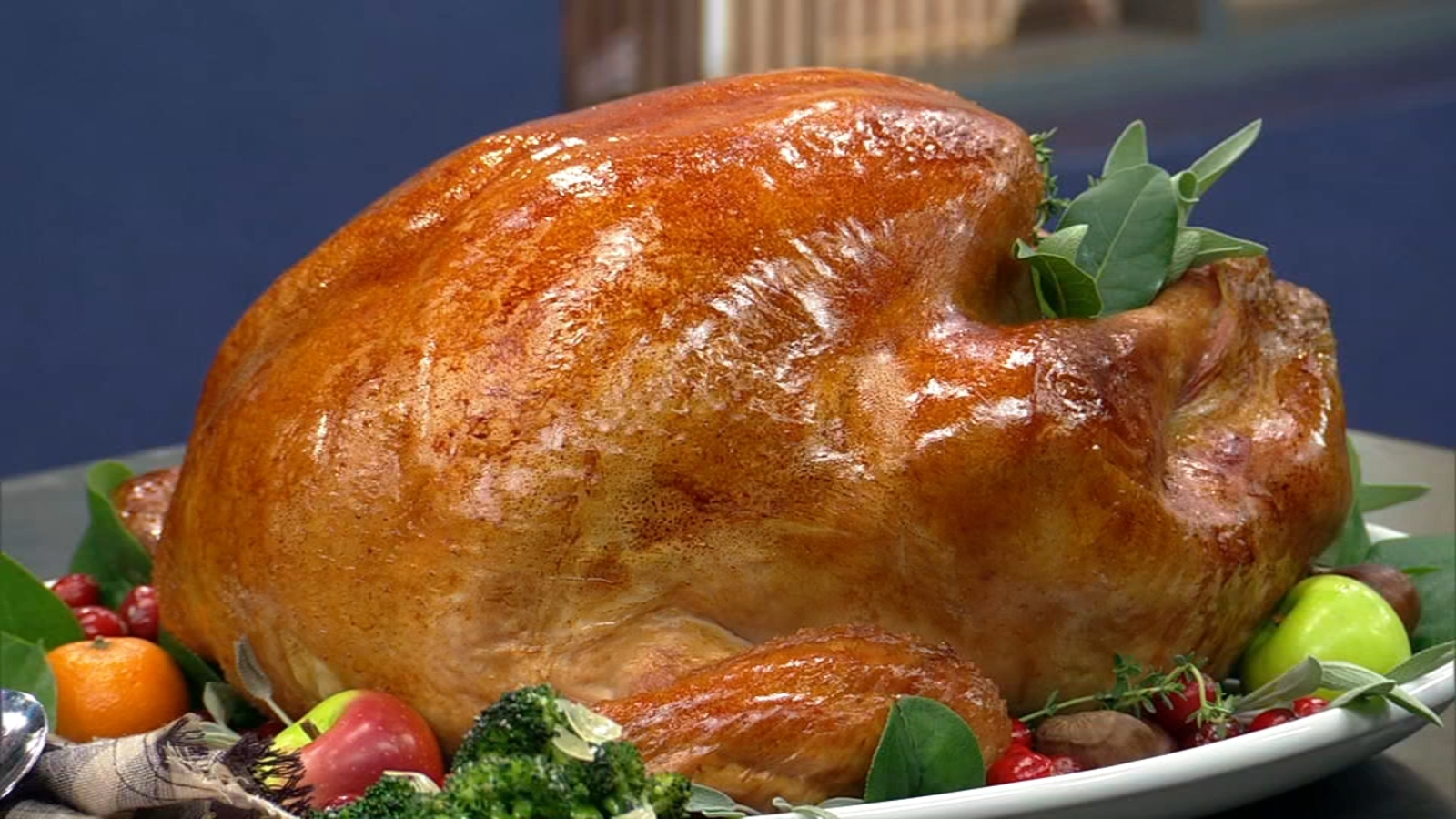 How to cook a turkey: Recipes, cooking times from ...