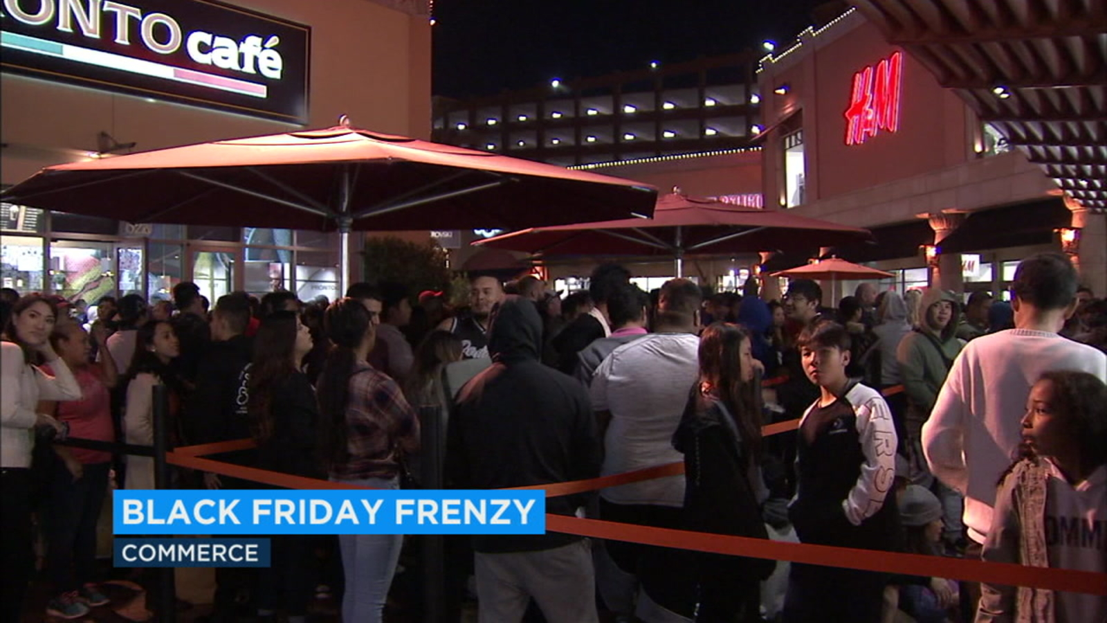 Socal Shoppers Lining Up For Black Friday Deals Abc7 Los Angeles