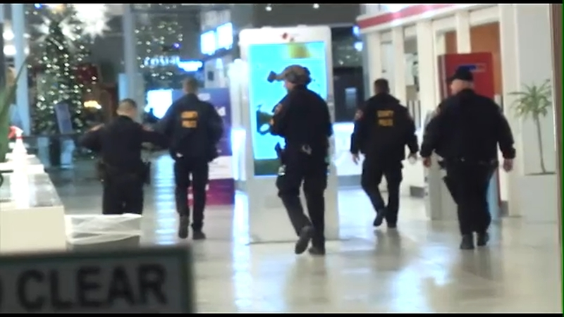 Marshalls Jersey City >> Male Shot In Wrist At New Jersey Mall On Black Friday