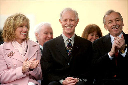 "<div class=""meta image-caption""><div class=""origin-logo origin-image none""><span>none</span></div><span class=""caption-text"">Chesley ""Sully"" Sullenberger, the US Airways pilot who landed in New York's Hudson River with all onboard escaping safely, smiles during a homecoming celebration. (AP Photo/ Noah Berger)</span></div>"