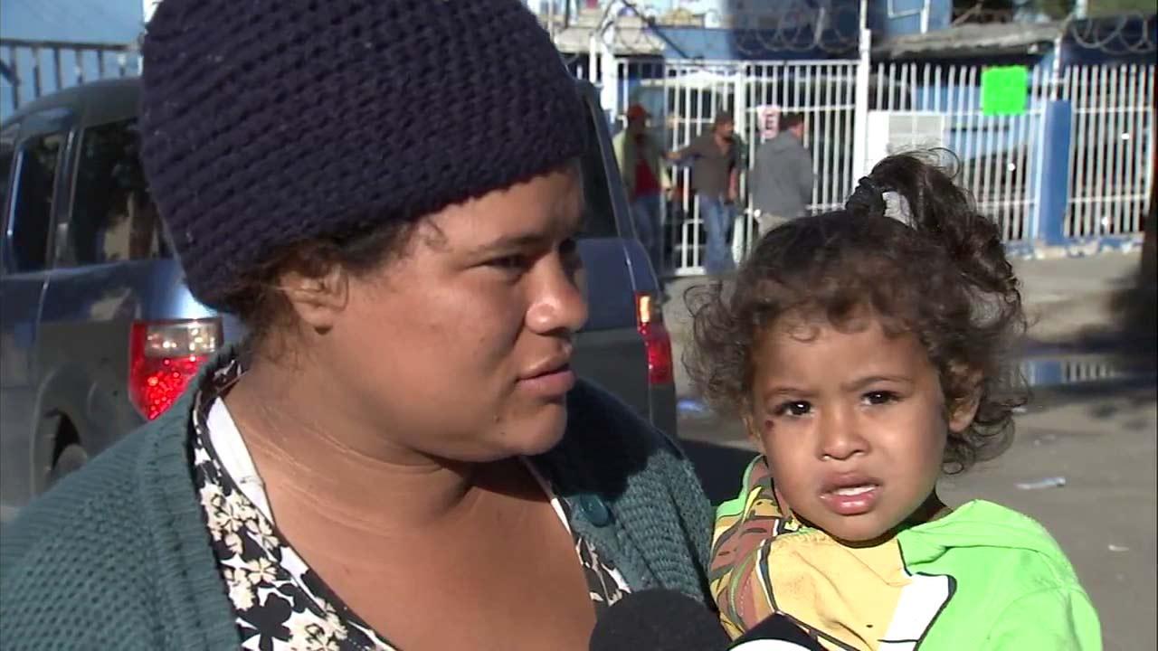 Migrant caravan: Honduran mother says she fled country in ...