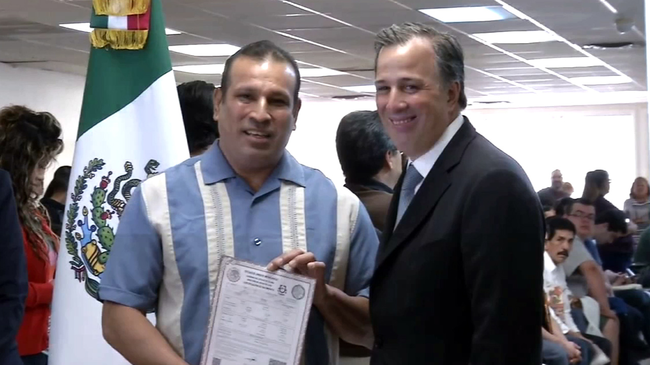 Mexican Consulates In Us Begin Issuing Immigrants Birth