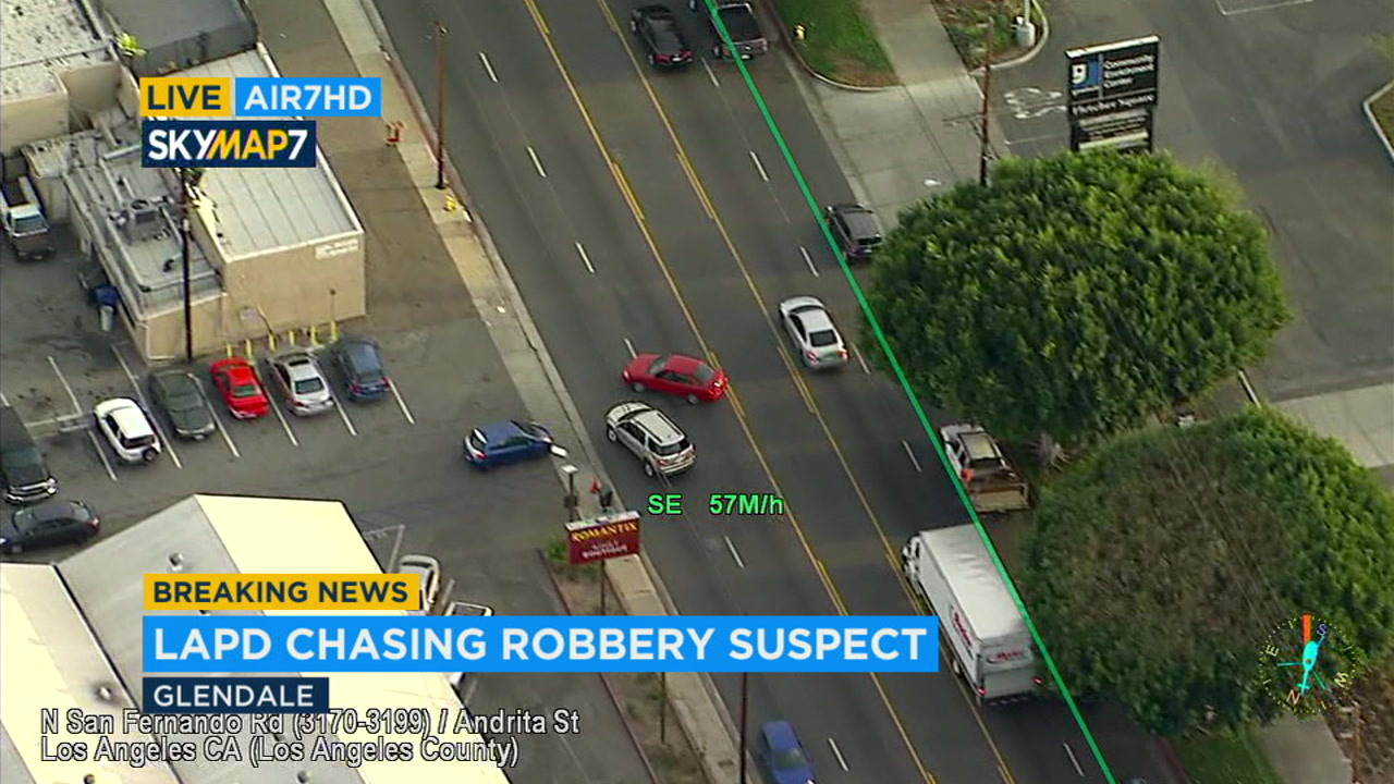 Robbery Suspects Arrested After Chase Through La Crash In Echo Park Abc7 Com