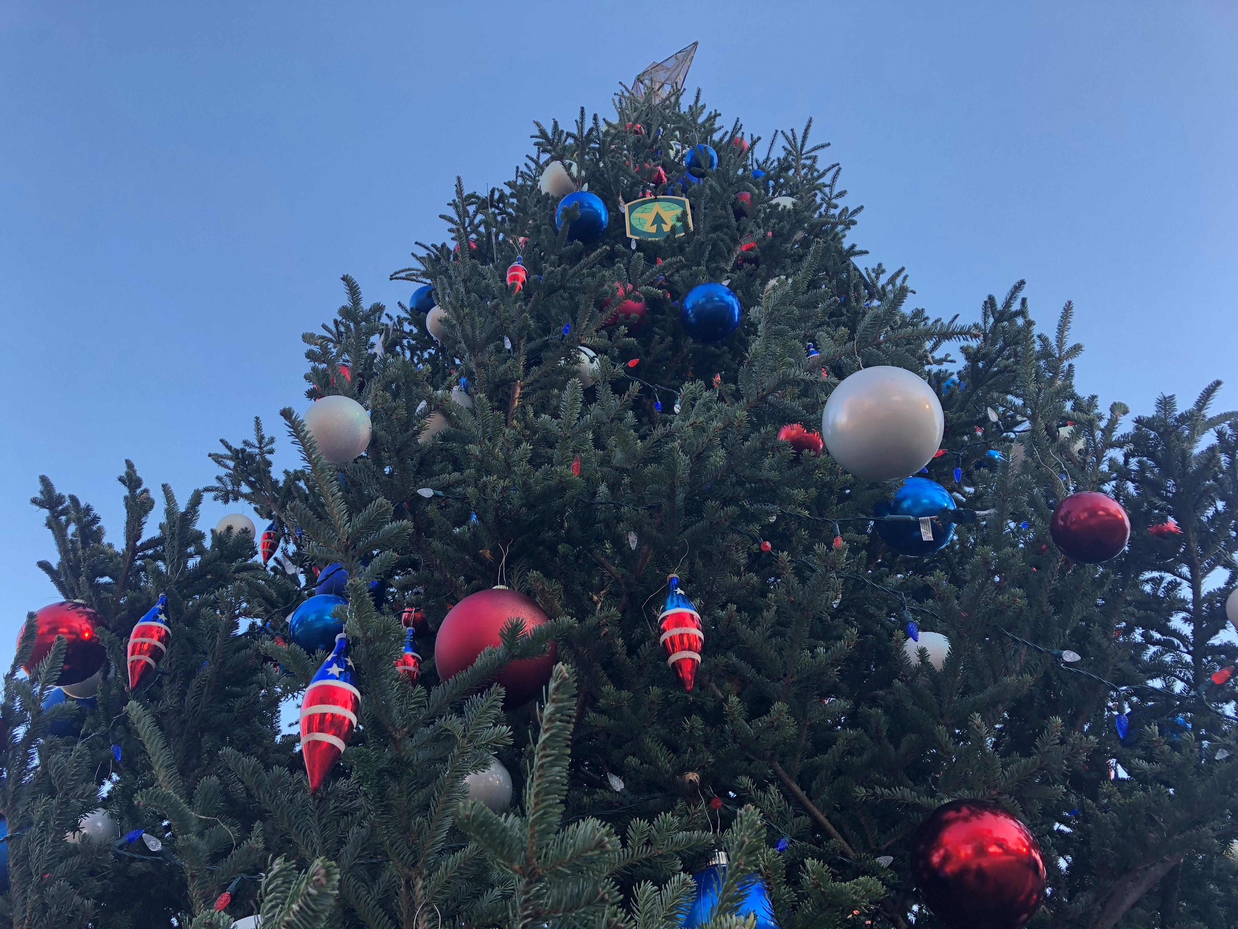 "<div class=""meta image-caption""><div class=""origin-logo origin-image wtvd""><span>WTVD</span></div><span class=""caption-text"">Scenes from the Fort Bragg tree lighting Thursday, Nov. 29, 2018 (Akilah Davis)</span></div>"