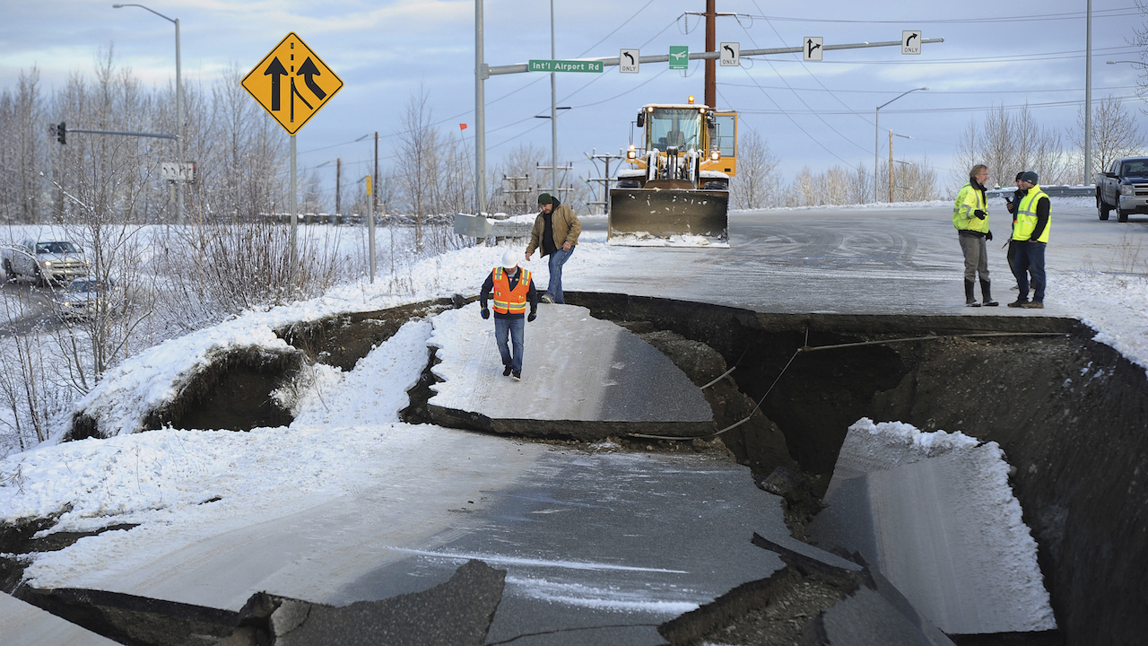 "<div class=""meta image-caption""><div class=""origin-logo origin-image ap""><span>AP</span></div><span class=""caption-text"">Workers inspect an off-ramp that collapsed during a morning earthquake, Friday, Nov. 30, 2018, in Anchorage, Alaska. (AP Photo/Mike Dinneen)</span></div>"