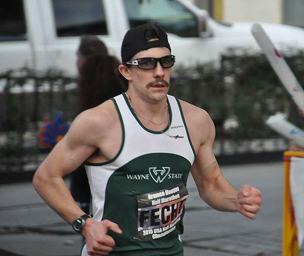 "<div class=""meta image-caption""><div class=""origin-logo origin-image ""><span></span></div><span class=""caption-text"">Runners along the course of the Chevron Houston Marathon and Aramco Houston Half Marathon, Sunday, January 18, 2015 (KTRK Photo/ Gina Larson)</span></div>"