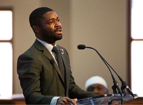 "<div class=""meta image-caption""><div class=""origin-logo origin-image ""><span></span></div><span class=""caption-text"">Actor David Oyelowo, who portrays the Rev. Martin Luther King Jr. in the movie ""Selma,"" cries as he speaks during a service honoring King at Ebenezer Baptist Church. (AP Photo/David Goldman)</span></div>"