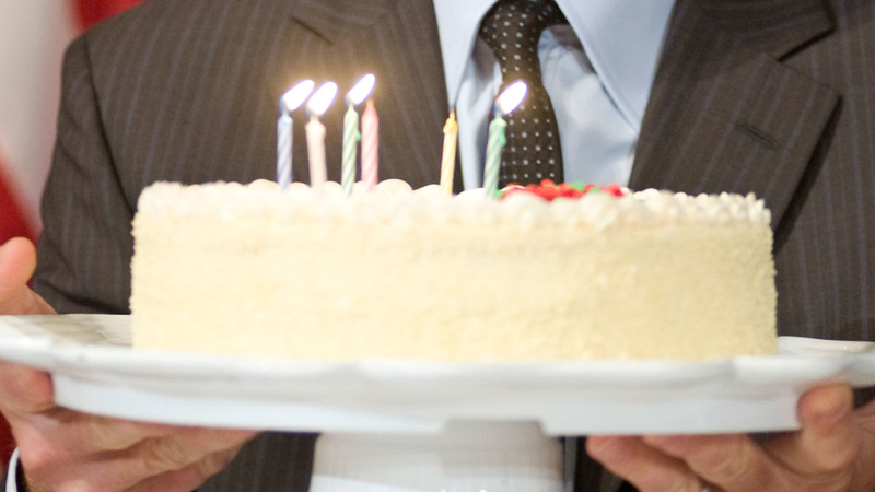 Prime Study Blowing Out Candles On Cake Increases Bacteria Abc7 San Funny Birthday Cards Online Eattedamsfinfo