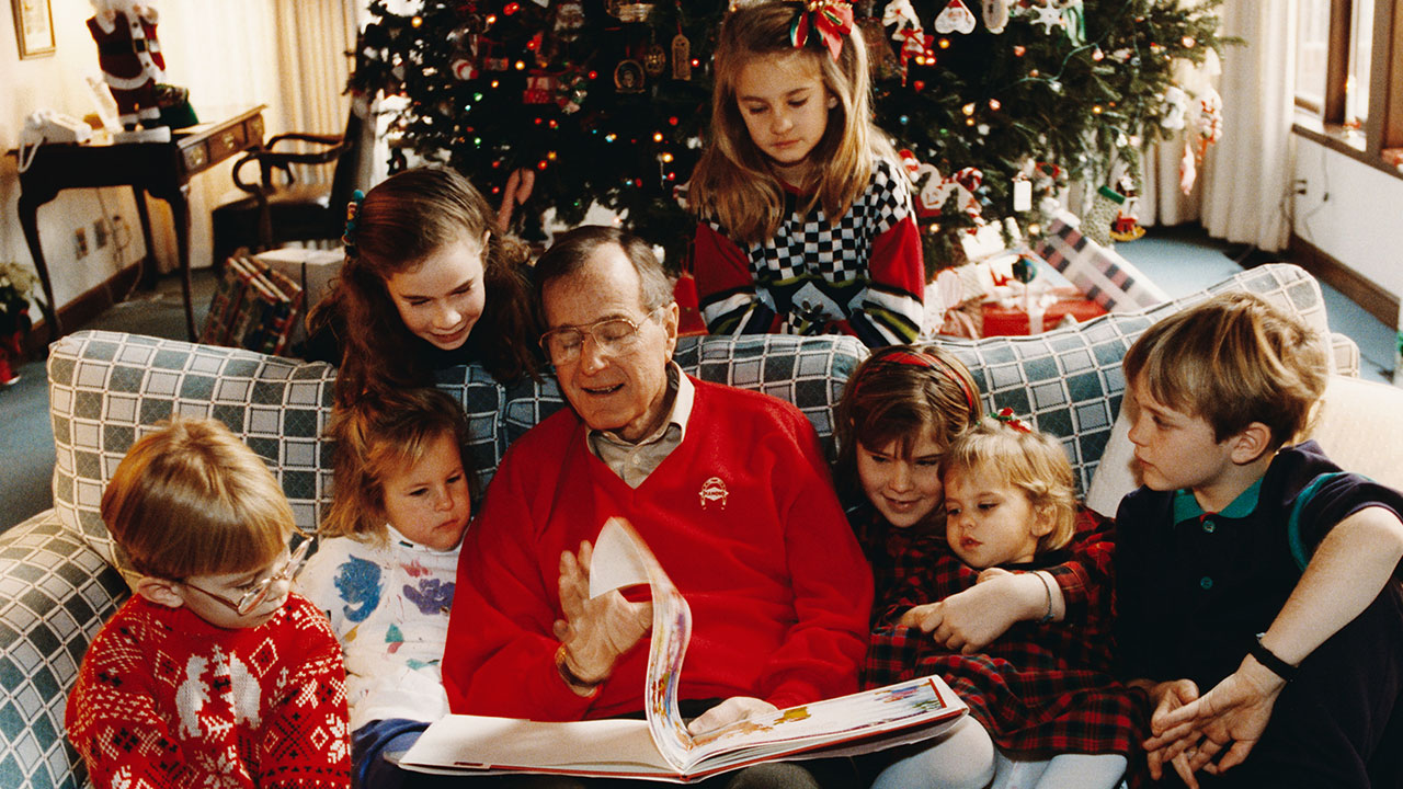 Christmas In April With Help Of Bush >> George Hw Bush Family Tree Who Are The Children Grandchildren Of