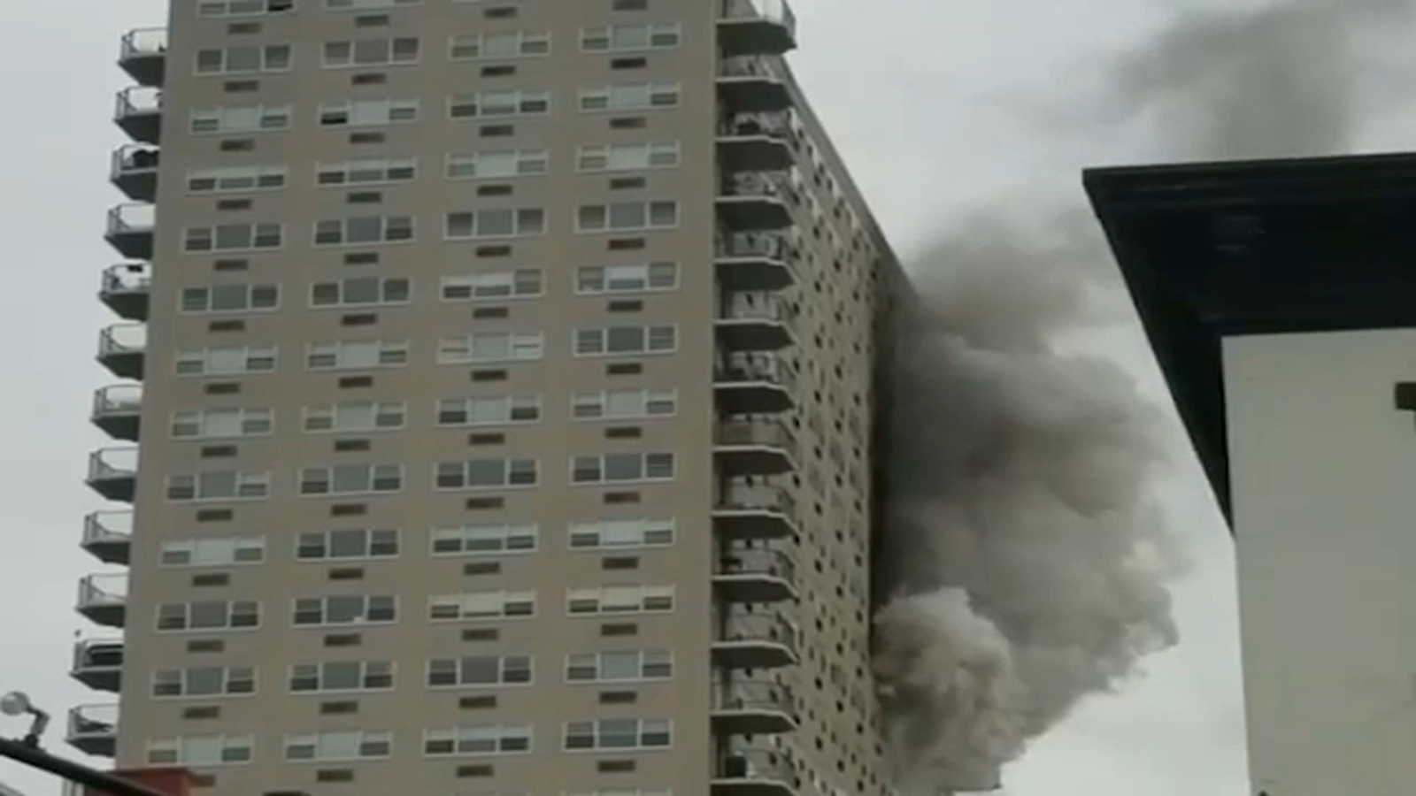 Raging High Rise Fire Forces People Out Of Their Apartments In Hoboken New Jersey Abc7ny