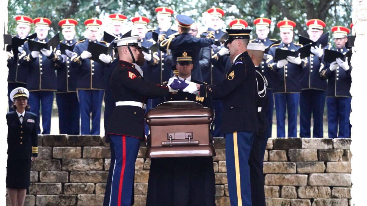 Pres George Hw Bush Buried At Presidential Library In College
