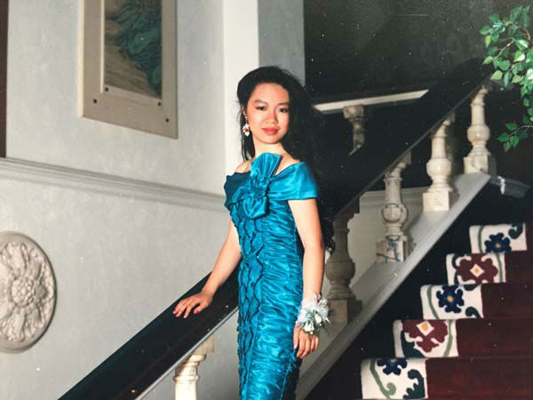 <div class='meta'><div class='origin-logo' data-origin='none'></div><span class='caption-text' data-credit='KTRK Photo'>Miya Shay at her high school prom in Oklahoma</span></div>