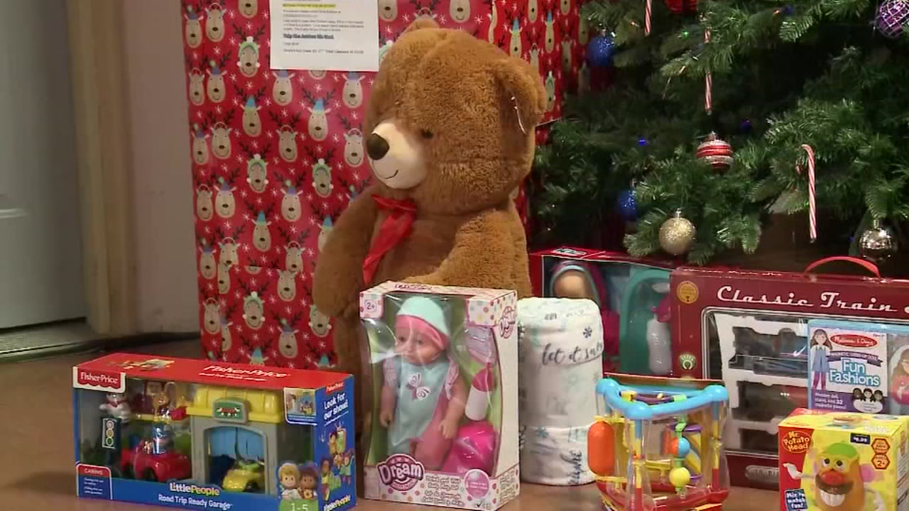 8-year-old boy in Wisconsin organizes holiday toy drive for hospitalized kids | abc13.com