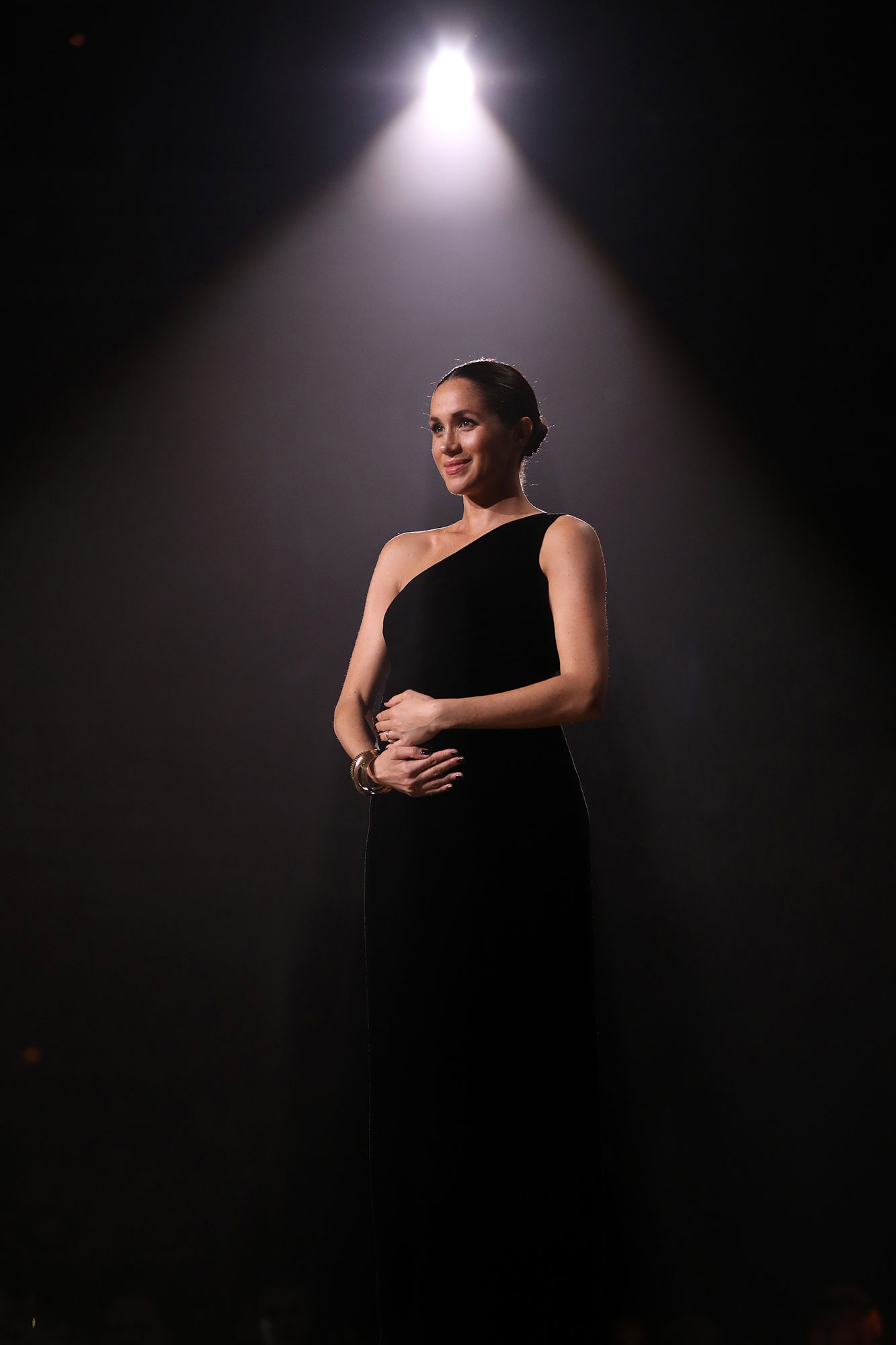 """<div class=""""meta image-caption""""><div class=""""origin-logo origin-image none""""><span>none</span></div><span class=""""caption-text"""">Meghan, Duchess of Sussex onstage during The Fashion Awards 2018 In Partnership With Swarovski at Royal Albert Hall on December 10, 2018 in London. (Tristan Fewings/BFC/Getty Images)</span></div>"""