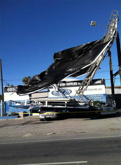 "<div class=""meta image-caption""><div class=""origin-logo origin-image ""><span></span></div><span class=""caption-text"">ABC7 viewer Hector Sanchez shared this photo of a toppled billboard at Lankershim Boulevard in North Hollywood on Saturday, Jan. 24, 2015. (ABC7 viewer Hector Sanchez)</span></div>"