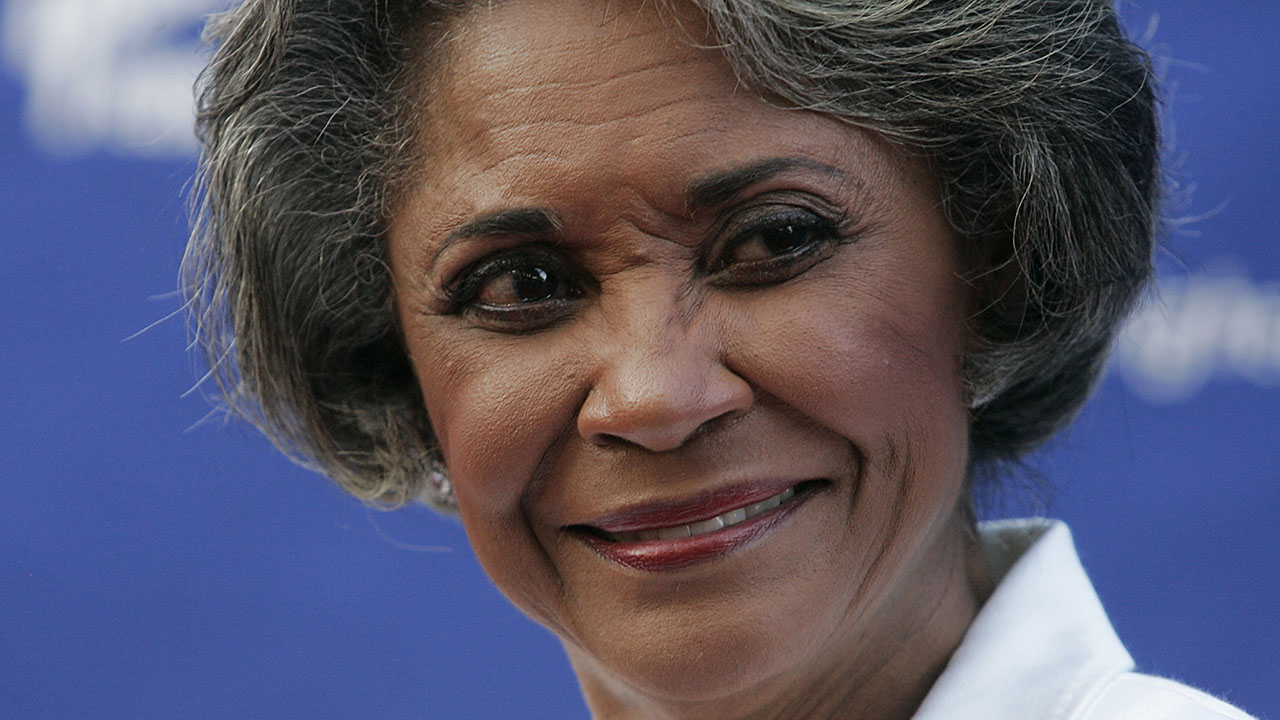 "<div class=""meta image-caption""><div class=""origin-logo origin-image ap""><span>AP</span></div><span class=""caption-text"">Singer Nancy Wilson - pictured at a Grammy Foundation event in Los Angeles on July 28, 2007 - has died at age 81. (AP Photo/Dan Steinberg)</span></div>"