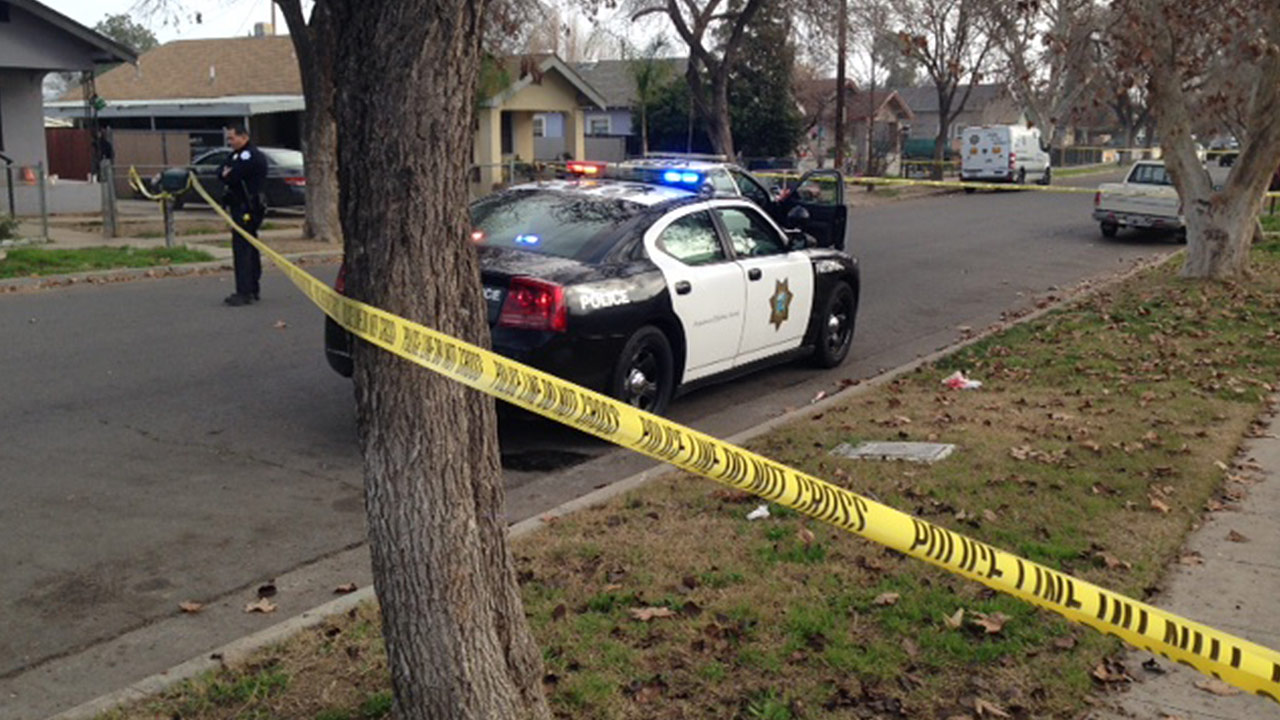 Woman found shot in Southeast Fresno