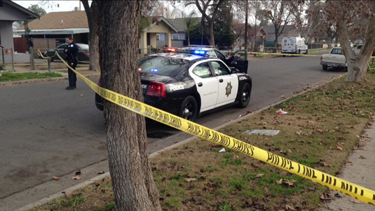 Woman found shot in Southeast Fresno
