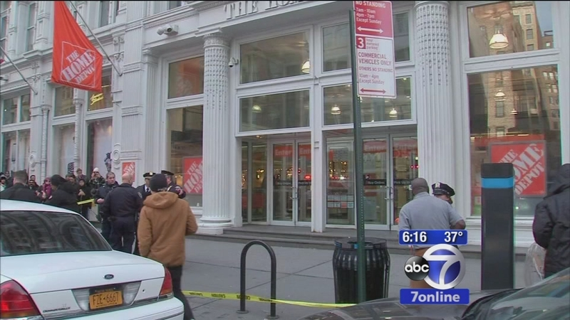2 Dead After Shooting At Home Depot Store In Manhattan Abc7 New York