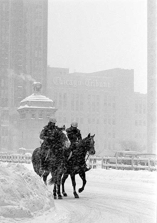 "<div class=""meta image-caption""><div class=""origin-logo origin-image none""><span>none</span></div><span class=""caption-text"">Jan. 1979: A blizzard shuts down Chicago (Photo/Charles Knoblock)</span></div>"