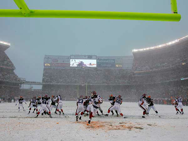 """<div class=""""meta image-caption""""><div class=""""origin-logo origin-image none""""><span>none</span></div><span class=""""caption-text"""">Dec. 2007: The Buffalo Bills and Cleveland Browns play through near-blizzard conditions in Cleaveland. (Photo/Tony Dejak)</span></div>"""