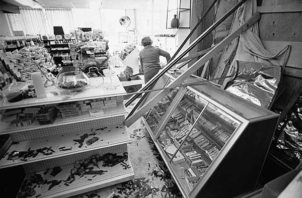 "<div class=""meta image-caption""><div class=""origin-logo origin-image none""><span>none</span></div><span class=""caption-text"">Feb. 1977: A woman's Buffalo shop was destroyed by a blizzard. (Photo/Jim McKnight)</span></div>"