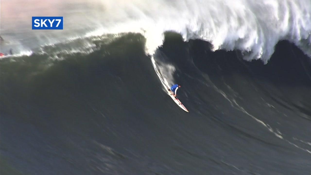 half moon window window covering video surfers catch big waves at mavericks in half moon bay abc7newscom