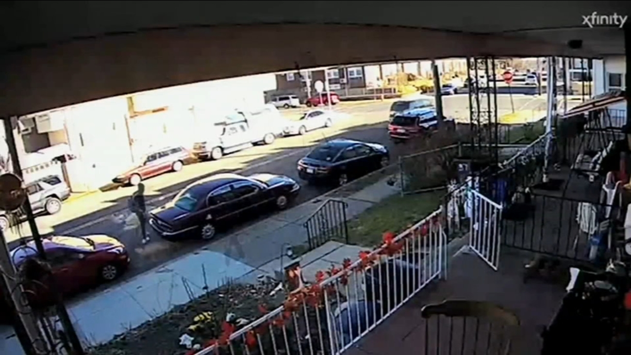 Thief Steals Car With A Trunk Full Of Christmas Gifts In Lawncrest