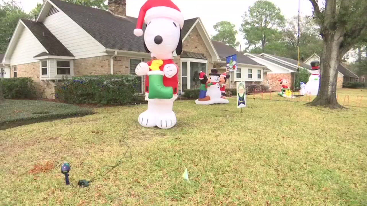 Police Accuse Miguel Ornelas Of Stealing Houston Christmas Decorations Abc13 Houston