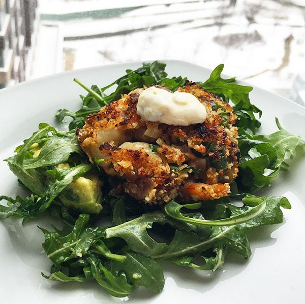 "<div class=""meta image-caption""><div class=""origin-logo origin-image none""><span>none</span></div><span class=""caption-text"">Snow day eats - Pan Fried Shrimp Cake over arugula with tartar sauce from this week's Hello Fresh #homemade #chubbyeats #abc7ny #hellofresh #recipe (chubbychinesegirl/Instagram)</span></div>"