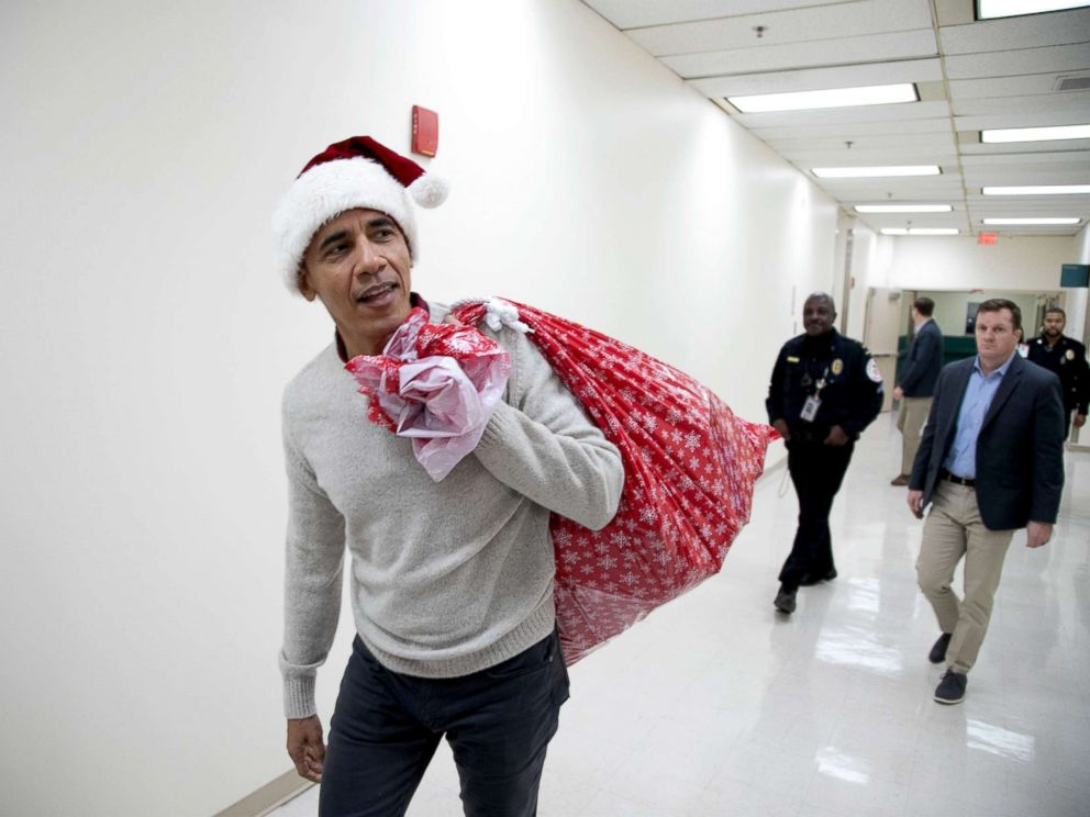 <div class='meta'><div class='origin-logo' data-origin='none'></div><span class='caption-text' data-credit='Chuck Kennedy for the Obama Foundation'></span></div>