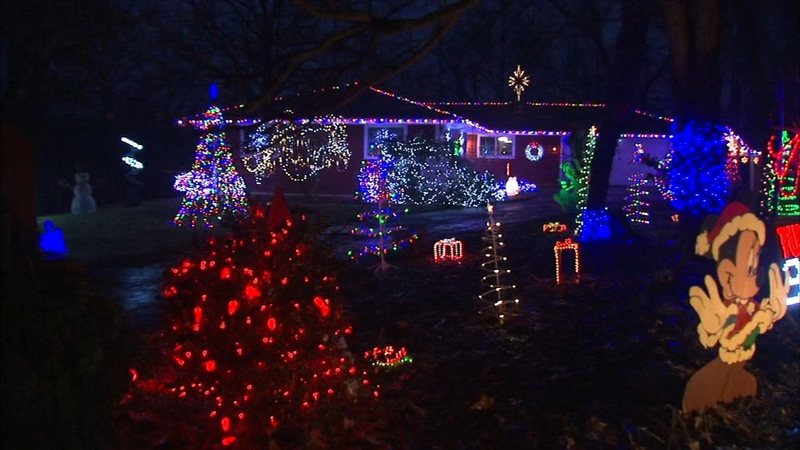 4941740_122118-wls-holiday-light-fight54