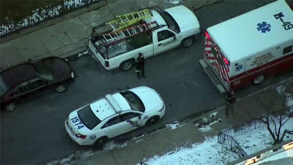 Officers find shooting victim on street in Holmesburg