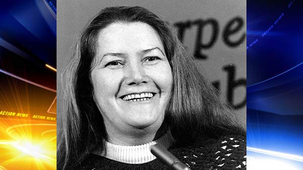 'The Thorn Birds' author Colleen McCullough dies at age 77