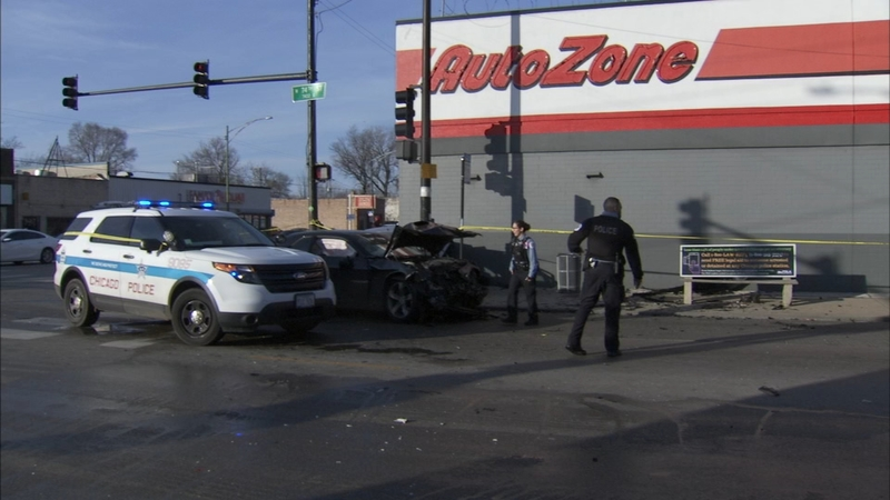 Crash sends car into South Side Autozone, 5 injured
