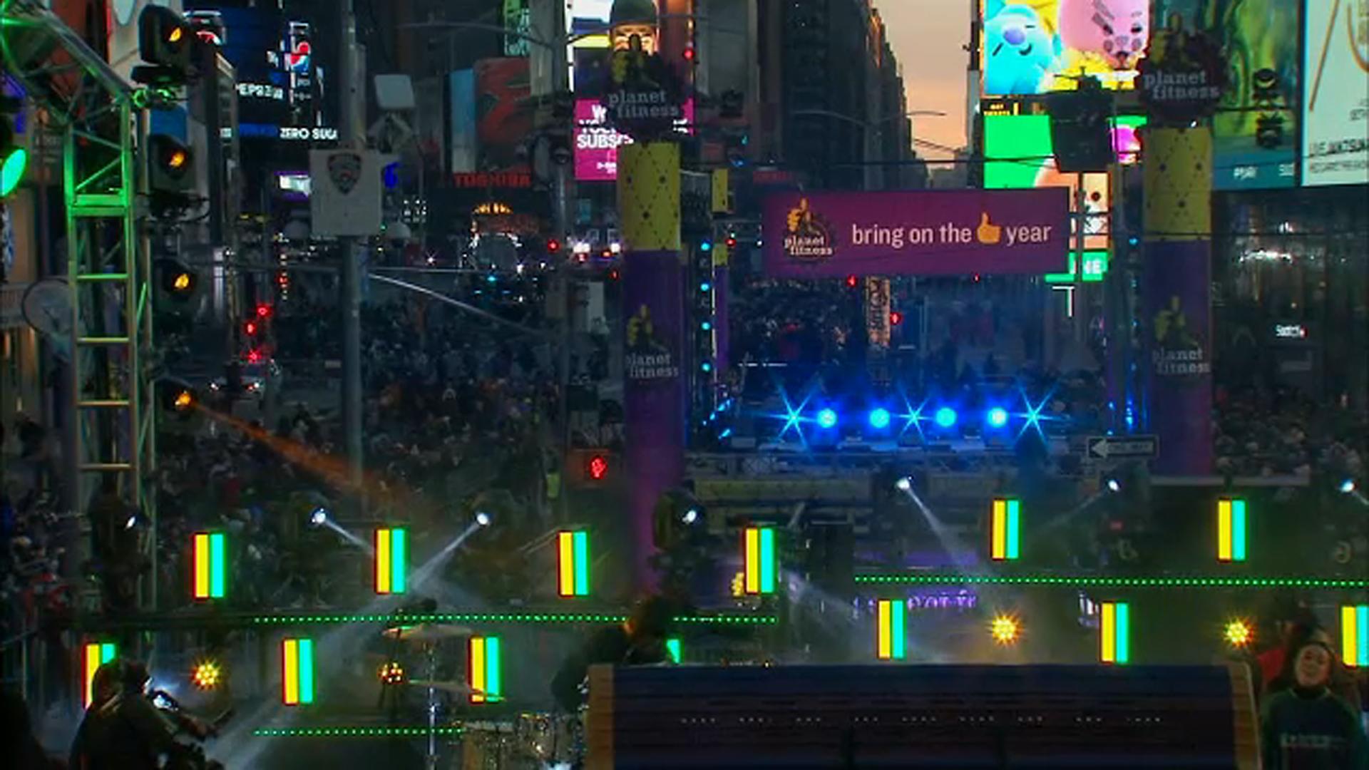 Обои rain dance, Times square, ночь, Nyc, new york. Города