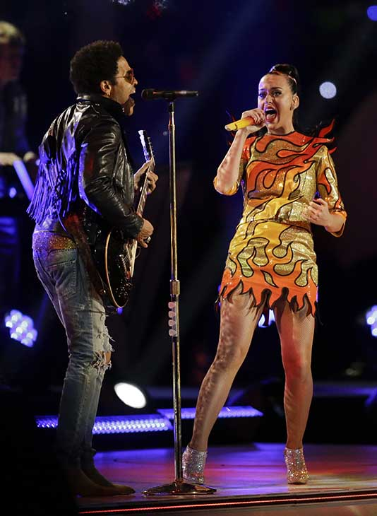"<div class=""meta image-caption""><div class=""origin-logo origin-image ap""><span>AP</span></div><span class=""caption-text"">Lenny Kravitz, left, performs with Katy Perry during halftime of the NFL Super Bowl XLIX football game.</span></div>"